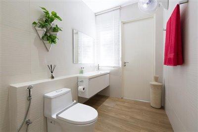 Villa-Som-Beachfront-Property-Guest-Bathroom