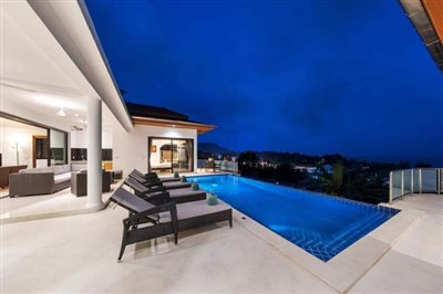 Sunny-Banks-Villa-Ko-Samui-Pool-Night