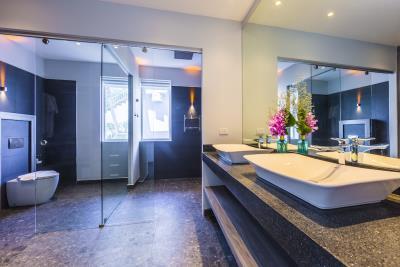 Villa-Sasipimon-Ko-Samui-Bathroom-3