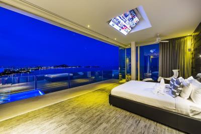 Villa-Sasipimon-Ko-Samui-Bedroom-Night-View