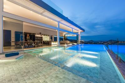 Villa-Sasipimon-Ko-Samui-Infinity-Pool-Night