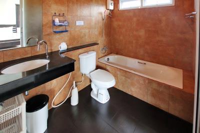 Two-Bedroom-Pool-Villa-Choeng-Mon-Bathroom