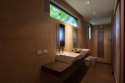 Rockwater-Sea-View-Townhouses-Samui-Bathroom