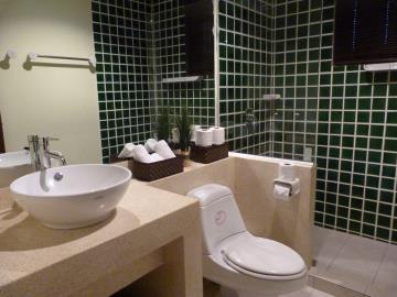 Bang-Rak-Pool-Villa-Ko-Samui-Bathroom