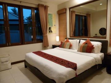 Bang-Rak-Pool-Villa-Ko-Samui-Bedroom