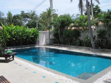 Bang-Rak-Pool-Villa-Ko-Samui-Pool