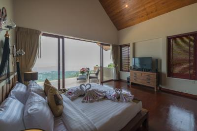 Chaweng-Sea-View-Villa-For-Sale-Samui-Bedroom-2