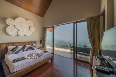 Chaweng-Sea-View-Villa-For-Sale-Samui-Bedroom-4