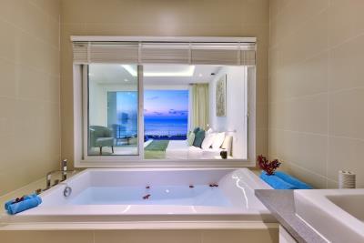 Unique-Residence-Ko-Samui-Villa-K-Bathtub