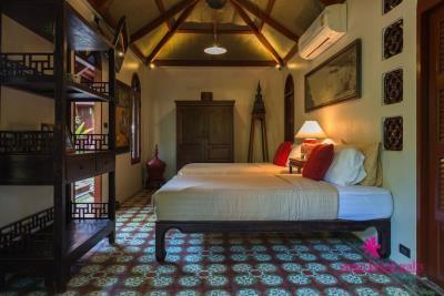 Five-Islands-Beachfront-Villa-Ko-Samui-Comfortable-Bedroom