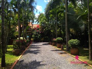 Five-Islands-Beachfront-Villa-Ko-Samui-Driveway