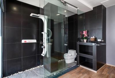 Villa-Seawadee-Ko-Samui-Bathroom