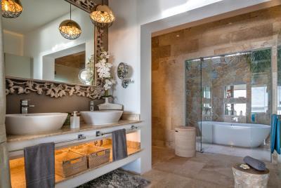 Villa-Aruna-Ko-Samui-Bathroom-3