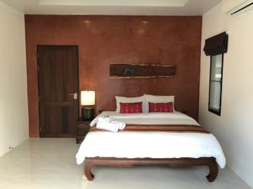 Lamai-Pool-Villa-For-Sale-Bedroom-2