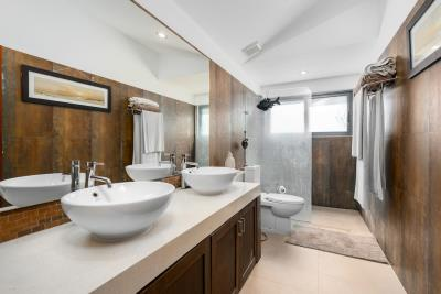 Samui-Sanctuary-Bathroom-2