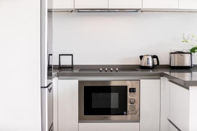 Unique-Residences-Luxury-Apartment-Kitchen