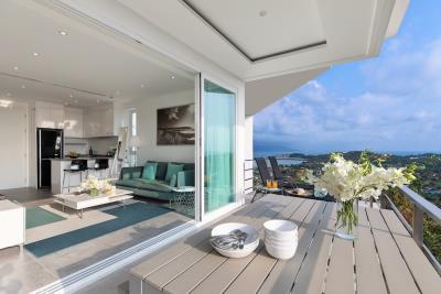 Unique-Residences-Luxury-Apartment-Terrace-Doors