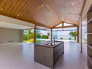 Baan-Talay-Beach-Villas-Kitchen