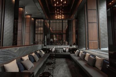 Ashton-Asoke-Condo-Lobby-Seating
