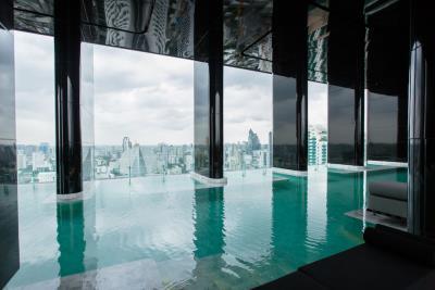 Ashton-Asoke-Condo-Pool