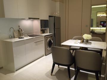 Ashton-Silom-Kitchen