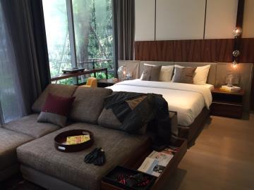 Ashton-Silom-Condominium-Living