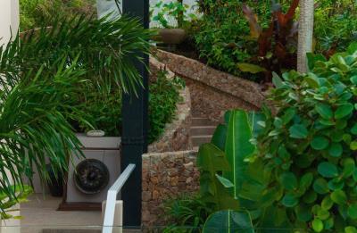 Bophut-Ocean-View-Villa-Walkway