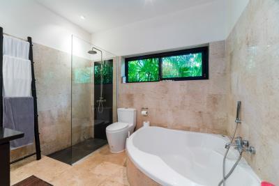 Villa-Harmonie-Ko-Samui-Bathtub