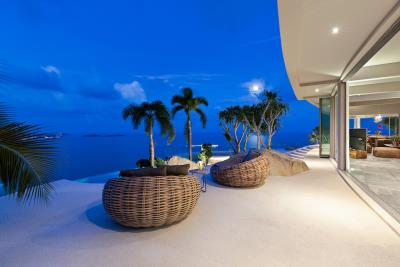 Ko-Samui-Luxury-living-At-Its-Best-Terrace-Night