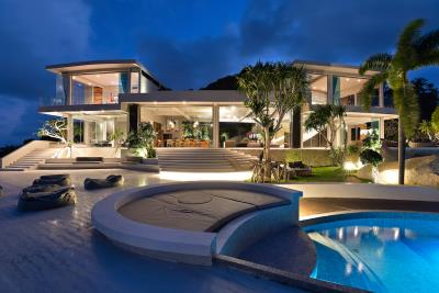 Ko-Samui-Luxury-living-At-Its-Best-Pool-Deck-Night