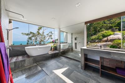 Ko-Samui-Luxury-living-At-Its-Best-Bathroom-2