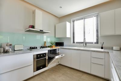 New-Bangrak-Pool-Villa-Kitchen