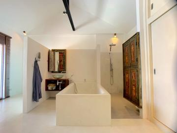 Bophut-Pool-Villa-Master-Bathroom