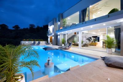 Sea-View-Luxury-Property-Exterior-Night