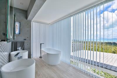 Sea-View-Luxury-Property-Bathroom1