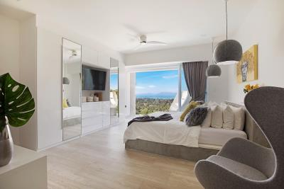 Sea-View-Luxury-Property-Bedroom-3