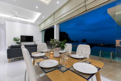 Villa-Blue-Munii-Dining-Night