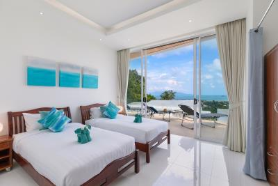 Villa-Blue-Munii-Guest-Bedroom
