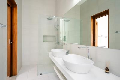 Chaweng-Sea-View-Villa-Washroom