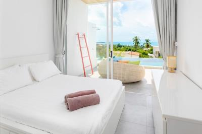 Chaweng-Sea-View-Villa-Bedroom