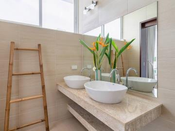 Bophut-Sea-View-Villa-Bathroom