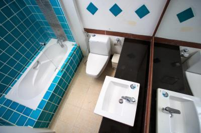 Bophut-Three-Bedroom-Duplex-Villa-Bathroom