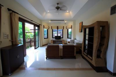 Bophut-Three-Bedroom-Duplex-Villa-Living