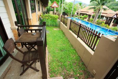 Bophut-Three-Bedroom-Duplex-Villa-Entrance