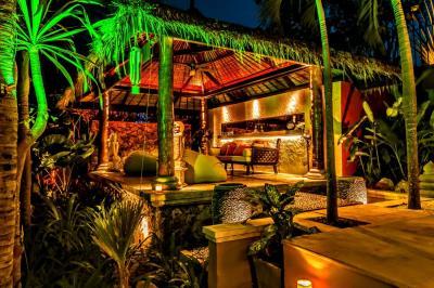 Bali-Villa-Sala-Seating
