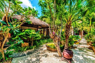 Bali-Villa-Garden