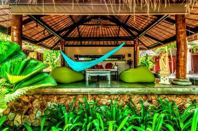 Bali-Villa-Outdoor-Living