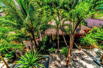 Bali-Villa-Walkway