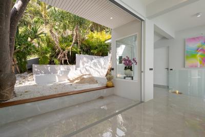 Villa-Amelie-Rooftop-Walkway