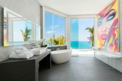 Villa-Amelie-Master-Bathroom
